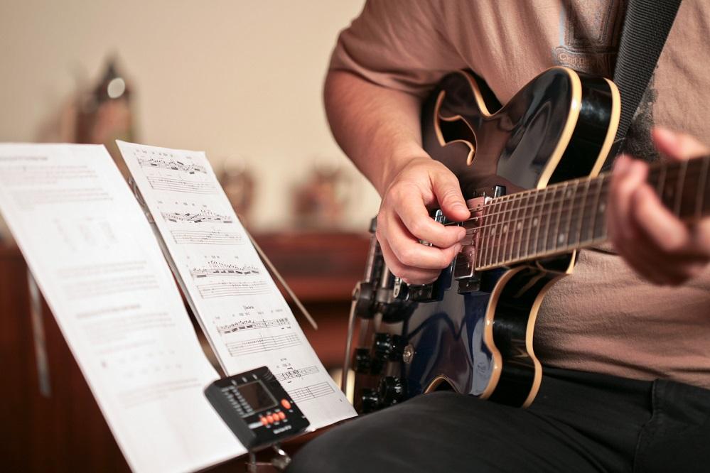 5 livres pour apprendre à jouer de la guitare