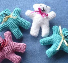 5 livres pour tricoter des doudous
