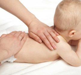 Les 5 meilleurs livres de massage pour bébé