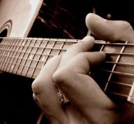 Les 5 meilleurs livres pour jouer de la guitare acoustique