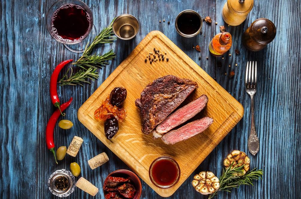 5 excellents livres à offrir à un(e) passionné(e) de cuisine (idées cadeaux)